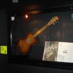 Beatles Story (Museo) - Guitarra de George