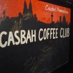 Cartel del Casbah Coffe Club con firmas de famosos de entonces se puede ver la de Tony Sheridan