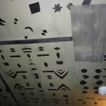 Dibujos en el techo del Casbah Coffe Club hechos por John