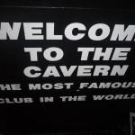 Escaleras de The Cavern