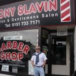 José en la peluqueria de Tony Slavin