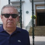 Jose fuera en la verja de los estudios Abbey Road