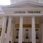 Lyceum Theatre en el  West End de Londres,  con 2.100 localidades con El Rey León
