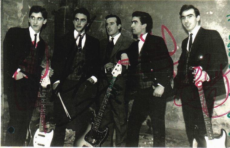 Los Zeros, en el centro el vocalista Jose Luis Moran -Capone-
