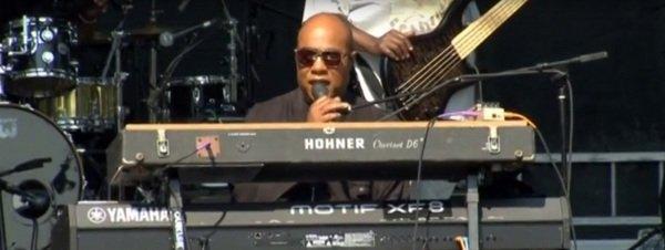Stevie-Wonder-en-un-concierto-_54434901395_51351706917_600_226